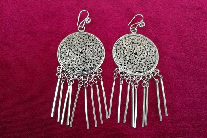 Guizhou Miao Miao Folk-Stil handgefertigte Schmuck handgemachte Silber Ohrring traditionelle Seide Quaste Ohrringe Pinch Trommel