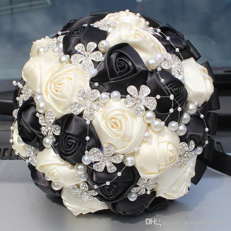 Matrimoni da sposa bianchi e neri Matrimoni Matrimonio Fiore artificiale Perle Strass Sweet 15 Quinceanera Bouquets W224-5