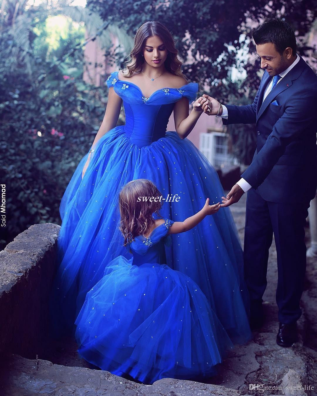 Royal Blue Princess Robes de demoiselle d'honneur Puffy Tutu Off épaule cristaux étincelants 2017 Toddler Little Girls Robe de communion reconstituée