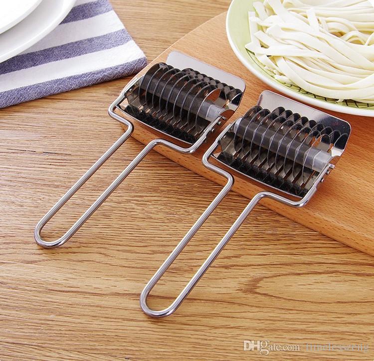 Multi-functional Stainless Steel Noodle Lattice Roller Docker Dough Cutter Pasta Spaghetti Maker Rolling Knife Herb Mincer