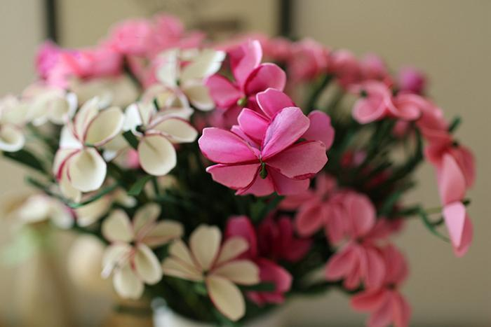 Commercio all'ingrosso 50 pz / lotto bella emulational artificiale PE primavera sentire farfalla fiore fiori finti mazzi casa giardino decorazioni di nozze