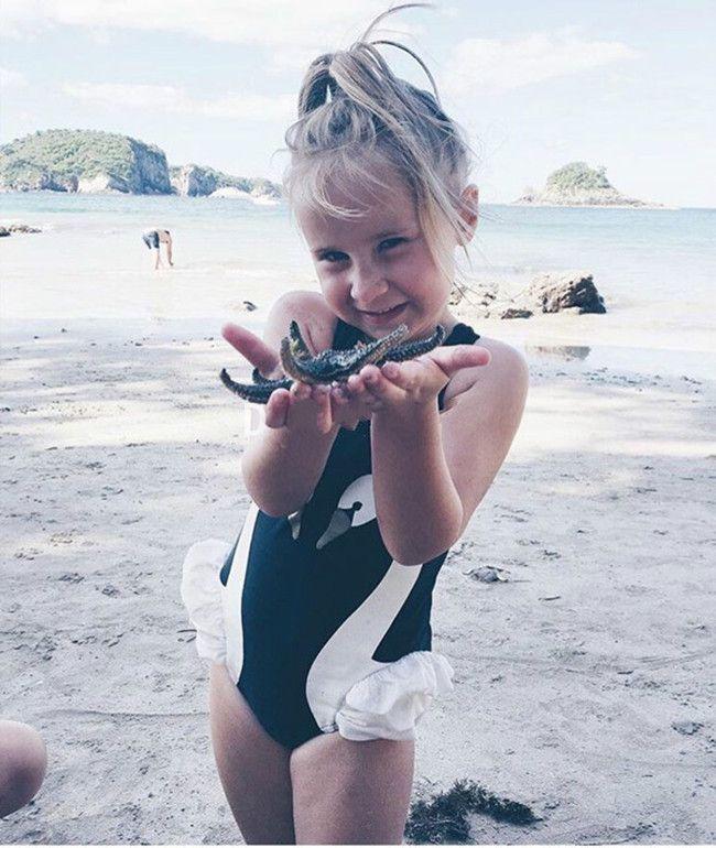 kids swimwear Ins Swan Bikini Girls Flamingos Parrot Swimsuit Ruffled Bathing Suit Beachwear cap with One-Piece Bikini Clothes
