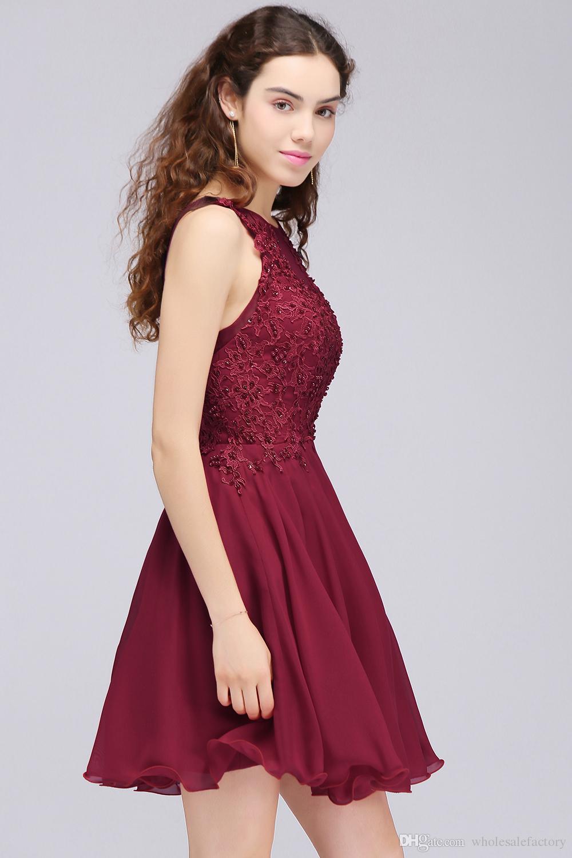 Wijn rood kant kralen een lijn homecoming jurken korte chiffon cocktail party jurken voor jonge meisjes juweel nek goedkope homecoming jurken CPS707