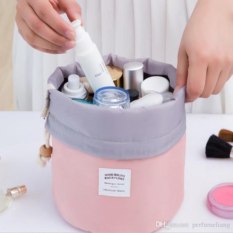 New Coreano elegante grande capacidade Barril Shaped Nylon Wash Armazenamento Organizador de Viagem Saco de Maquiagem Cosméticos Bolsa Para As Mulheres F201722