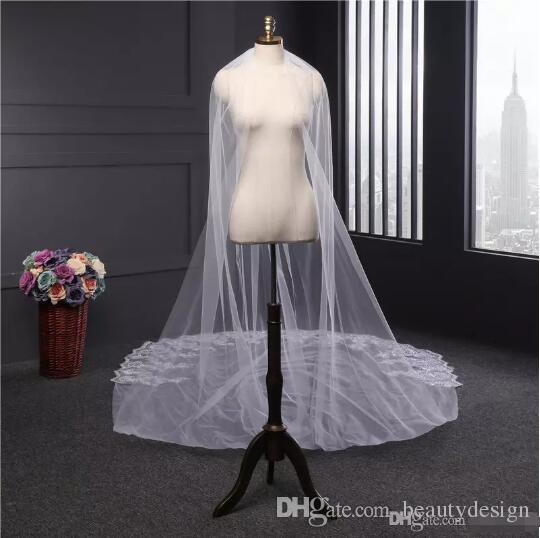2017 Ücretsiz Kargo Lüks 4 Metre Uzun Gelin Veils Tarak Aplike Kenar Ile Dantel Sequins Düğün Veils Ucuz Gelin Aksesuarları