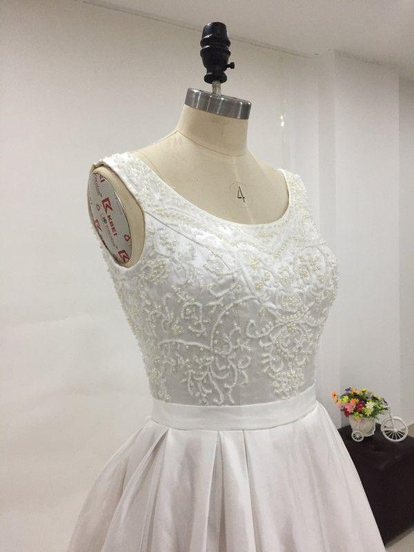 Exquisite Beads Pearls Top Plus Size Satijnen Trouwjurk Scoop Mouwloze Corset Lace-Up Back Real Picture Pockets Bruidsjurken Sweep Trein