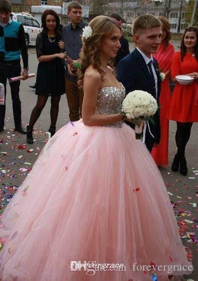 Yüksek Kaliteli Pembe Uzun Quinceanera Elbise Ucuz Kabarık Balo Boncuklu Kristaller Resmi Tatlı 16 Özel Durum Elbise Parti Kıyafeti Artı Boyutu