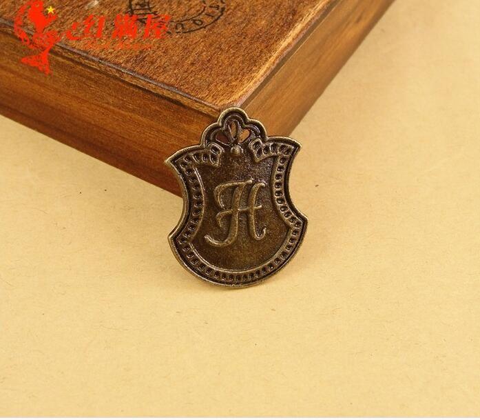 30*23MM Zinc alloy bronze plate H alphabet charm Korea retro metal Handmade Jewelry Pendant New ZAKKA DIY mobile phone accessories wholesale