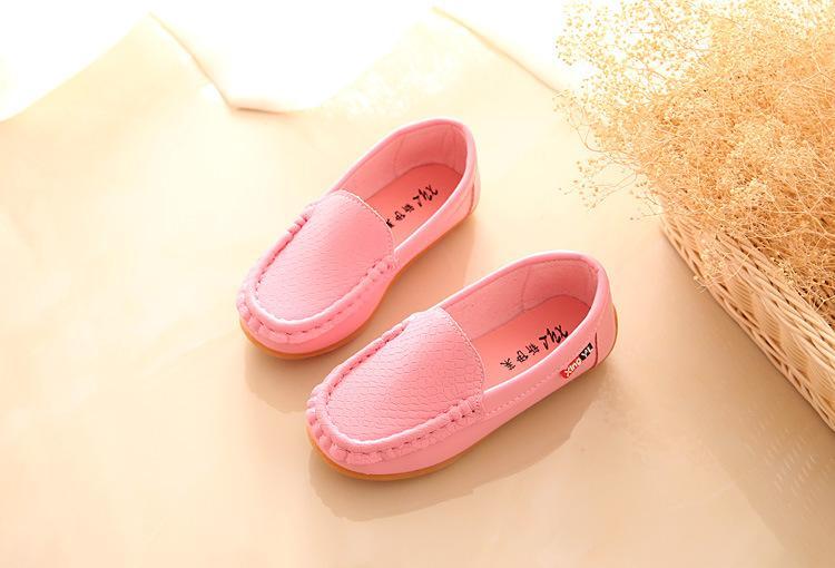 2017 رخيصة في الأسهم الصيف ربيع الخريف الشتاء مريحة المطاط فتاة بوي كيد أحذية رقيقة الطفل الأولى حمالات