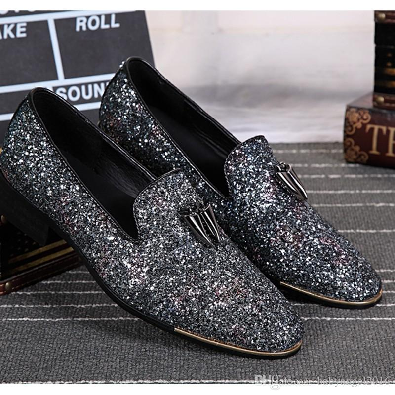 Neue Silber Leder Chaussure Homme Slip On Mokassin Männer Müßiggänger Casual Wohnungen Männer Glitter Mens Hochzeit Schuhe Flache Männer Schuhe