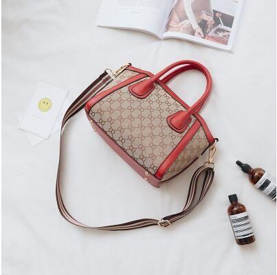 2017. New product. Handbag. Canvas. Fashion casual bag. Women's Bags. Soft. Small.Cross Body.Shoulder Bags.Totes.Thread.