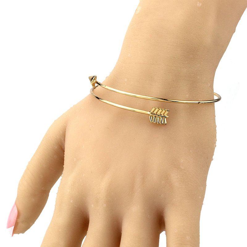 السهم أساور النساء أساور الذهب والفضة الأسود الألوان الفولاذ المقاوم للصدأ مفتوحة قابل للتعديل الكفة الإسورة الأزياء والمجوهرات
