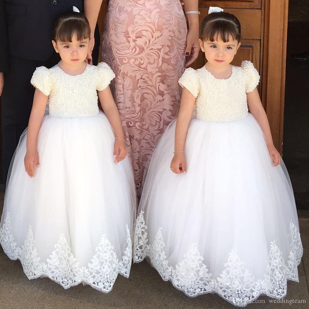 Las perlas preciosas de bola del vestido vestidos de niña para los vestidos de bodas apliques de encaje niñas desfile de vestido de manga corta de tul de primera comunión