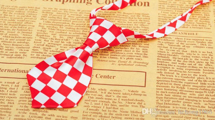 Pet Tie Many Styles Multicolor Cat Dog Ornaments Alta qualità Gentleman Cravat Stripe Animali domestici Prodotti di bellezza Vendita calda 1 7jn R