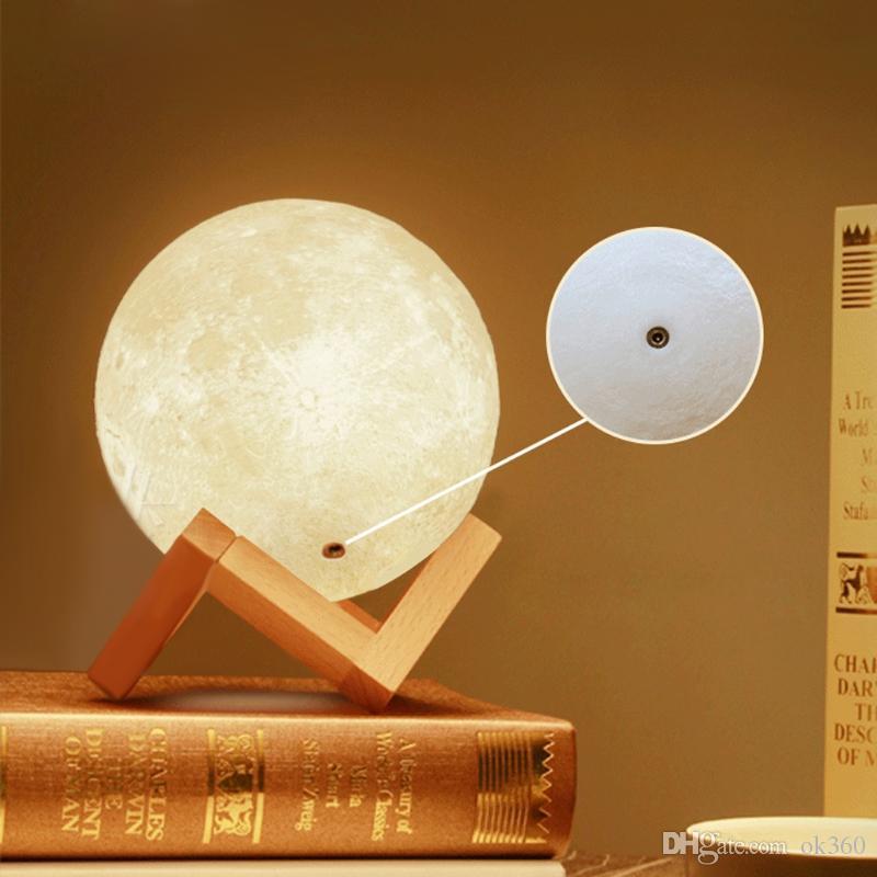 Noche 3D LED Luna mágica de luz LED de luz de la luna lámpara de escritorio USB Colores Luz recargable 3D sin escalonamiento para las luces de Navidad decoración del hogar