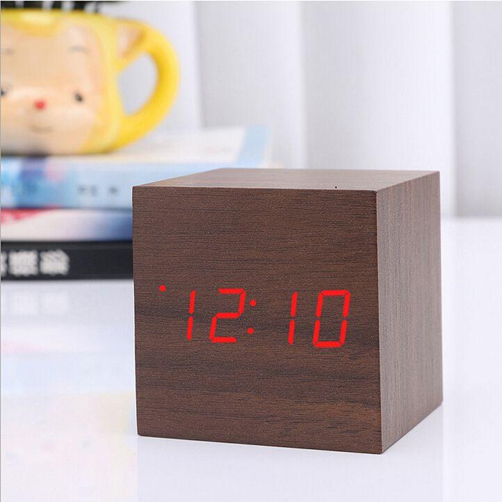 Würfel Holz LED Wecker LED-Anzeige Elektronische Desktop Digital Tischuhren Holz Digital Wecker USB / AAA Sprachsteuerung Horloge