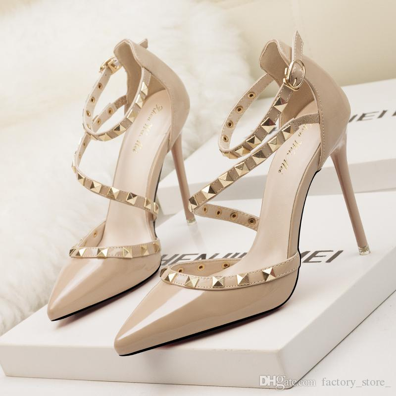 2018 Wedding Luxury Brand rosso High Heels Donna scarpe Wedding 2018 scarpe Rivets   489d01