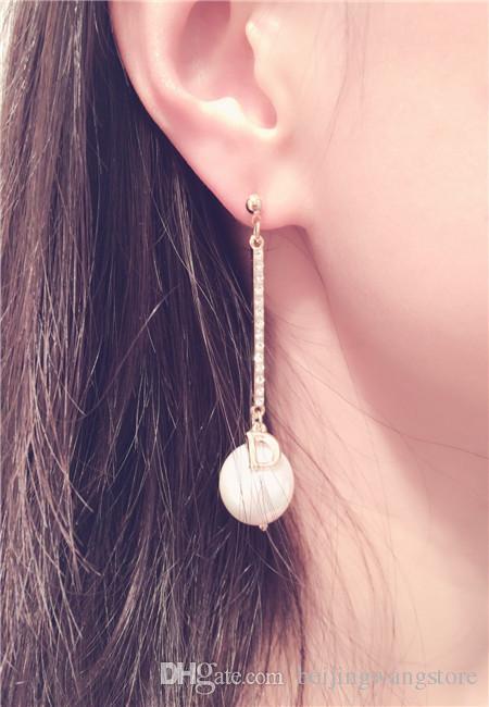 2017 nuovo arrivo coreano lunga perla ciondola gli orecchini le donne moda zircone cubico lettera charms gioielli di marca di alta qualità come regalo