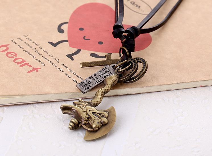 Wholesale Fashion Jewelry Knife And Ax Alloy Necklace Men's Personality Leather Rope Clavicle Necklace Casual Vintage Punk Necklace N0055