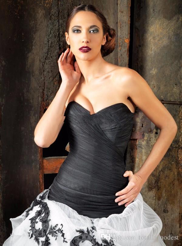 Abiti da sposa gotica in bianco e nero Abiti da sposa innamorati Sweetheart Pleas Puffy Vintage 50s Bridal Abito da sposa colorato abiti da sposa colorati
