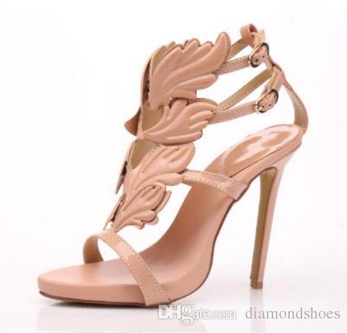 Presente de natal de Ouro Asas De Metal Folha De Tiras Vestido Gladiador Sandália De Salto Alto Mulheres Metálicas Sandálias Aladas