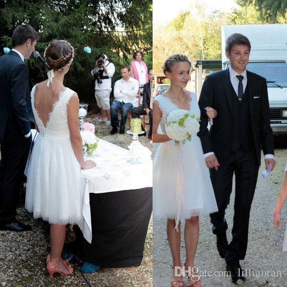 Knee Length Tulle Short Wedding Dresses A Line Lace Country Wedding Gowns Backless Boho Bridal Dresses Vestidos De Novia Sleeveless V-Neck