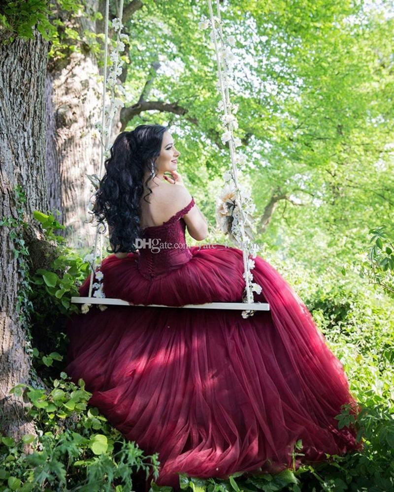 Abiti da ballo rosso scuro Abiti da ballo con spalle scoperte Pizzo con tulle sul retro Borgogna Abiti da sera rossi vino Abiti Quinceanera Sweet 16 Abito