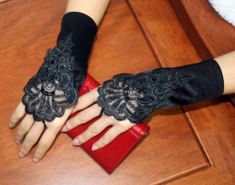 Neue kurze Brauthandschuhe elegante fingerlose Hochzeit Handschuhe für Hochzeitskleid 2017 weiß / Elfenbein / schwarz / rot Prinzessin Hochzeit Braut Zubehör