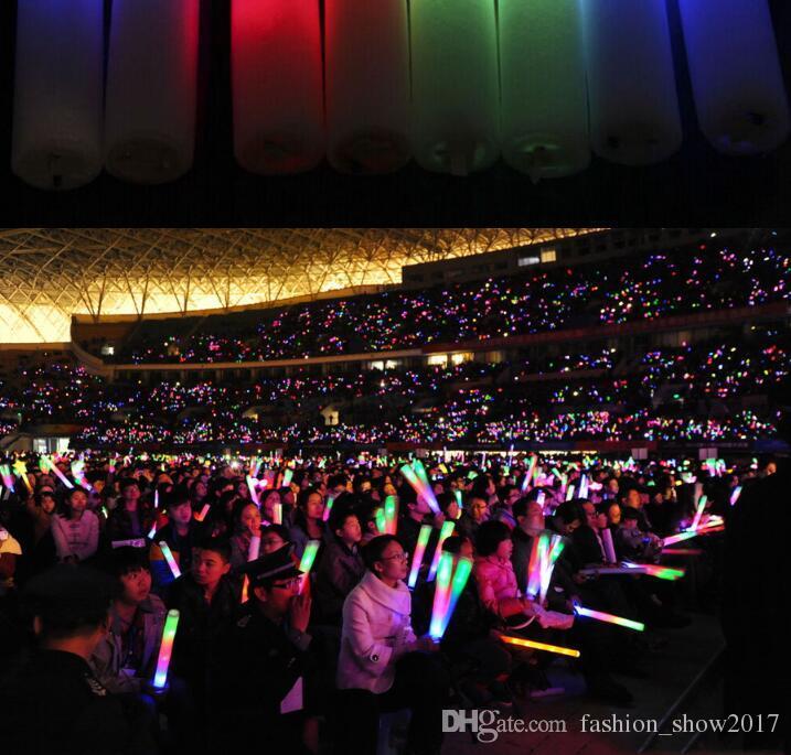 Renkli Yanıp Sönen LED Glow Sopa Light Up Düğün Doğum Günü Partisi Için LED Işık Sopa Tezahürat Sticks Düğün LED Işık