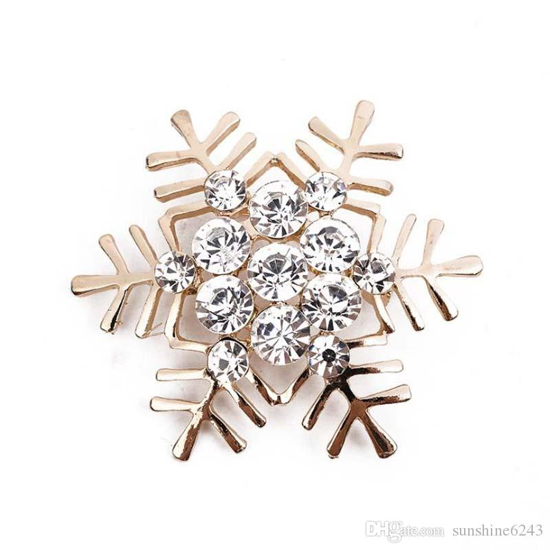 Upscale Korean Style Alloy Crystal Rhinestone Christmas Snowflake Gold Silver Brooch Corsage Christmas Gift