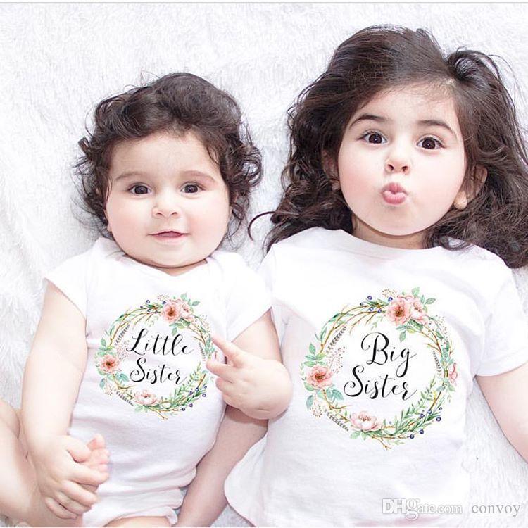 a439d6e468 Moda Bebê Meninas Irmãs Combinando Roupas Big Sisters Letras Florais  Impresso camiseta + Little Sisters Impresso Macacão Ternos Da Família FOC01