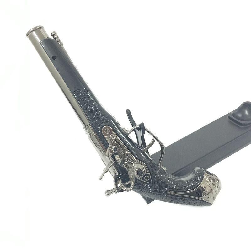 New Arrival Large Metal Military Model Gun Prop Metal Lighter Windproof 1: 1 Metal Type Gun Lighter.