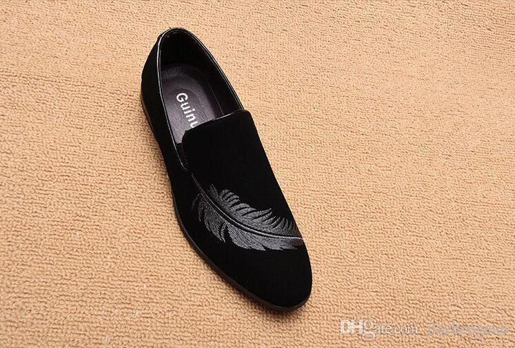 Heiße Verkäufe Mode Männer Müßiggänger Slip auf Herrenschuhe Casual Samt Hausschuhe Britische Kleid Schuh Männer Wohnungen Hochzeit und Partyschuhe M216