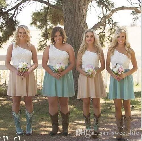 Venda quente 2017 País Da Dama de Honra Vestidos Curtos de Um Ombro Lace Branco Menta Verde Chiffon Convidado Festa de Casamento Vestidos Casuais Custom Made