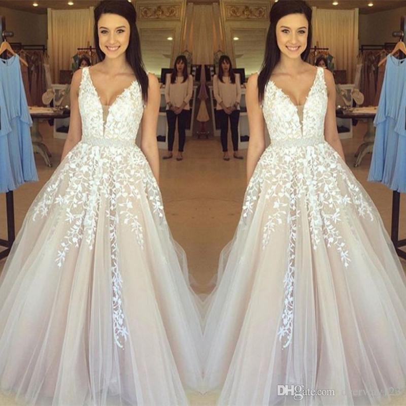 953235668400f Gorgeous Sleeveless V-Neck Evening Dress 2017 Lace Appliques Tulle Online  Beading Sash Champagne Prom Dress vestidos noche cortos de fiesta