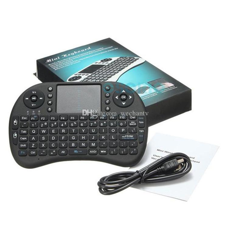2018 i8 Tastiera wireless Tastiera QWERTY Fly Mouse Telecomando multimediale con Touchpad Gioco portatile Android TV BOX Mini PC