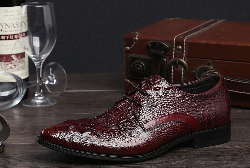 Itália Artesanal De Luxo Retro Sapatos Genuíno Couro De Vaca De Crocodilo Vestido De Casamento Dos Homens Casuais Sapato Homens Designer Clássico Flats