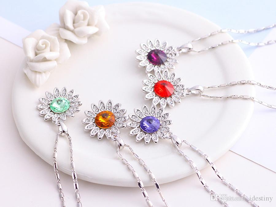 ingrosso gioielli di alta qualità all'ingrosso donna collana pendente in oro bianco placcato girasole realizzata con cristalli austriaci Swarovski