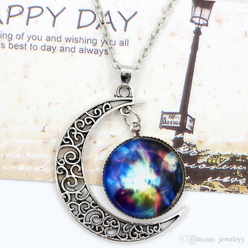 European Sky Moon Pendant Necklace Vintage Hollow Outer Space Starry Gemstone Chain Necklaces for Women Jewelry
