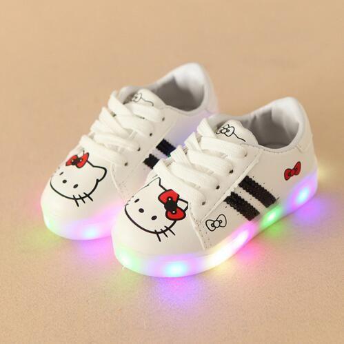 06454e951e Compre 2017 Moda Sapatos De Iluminação CONDUZIDA Legal Primeiros  Caminhantes Bonito Bebê Meninos Meninas Sapatos Da Criança De Brilho Casual  Bebê Sapatos ...