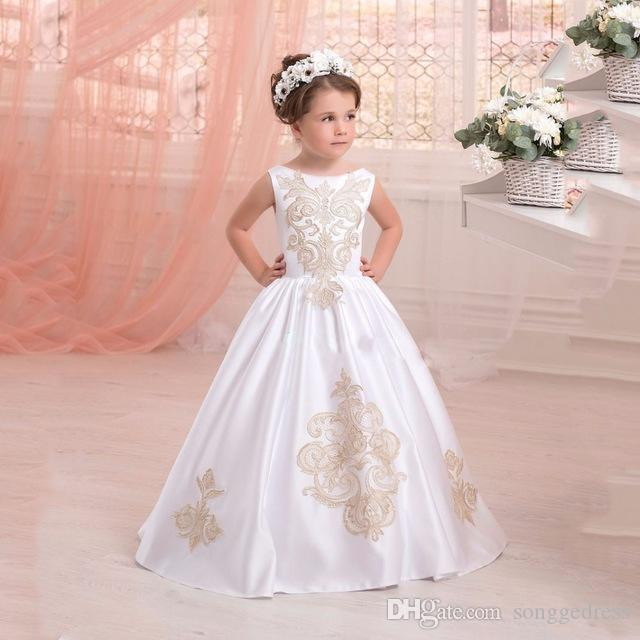 Vestidos blancos elegantes para ninas