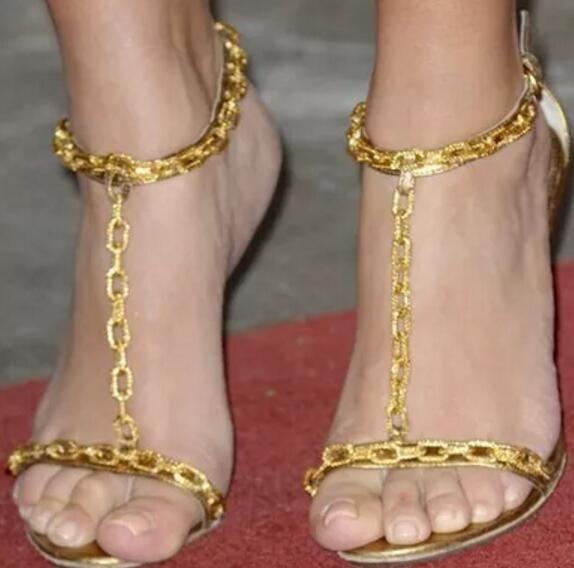 2017 mode frauen gladiator sandalen sexy party schuhe dünne ferse sandalen gold kette high heels hochzeit schuhe damen metall kette verfolgt