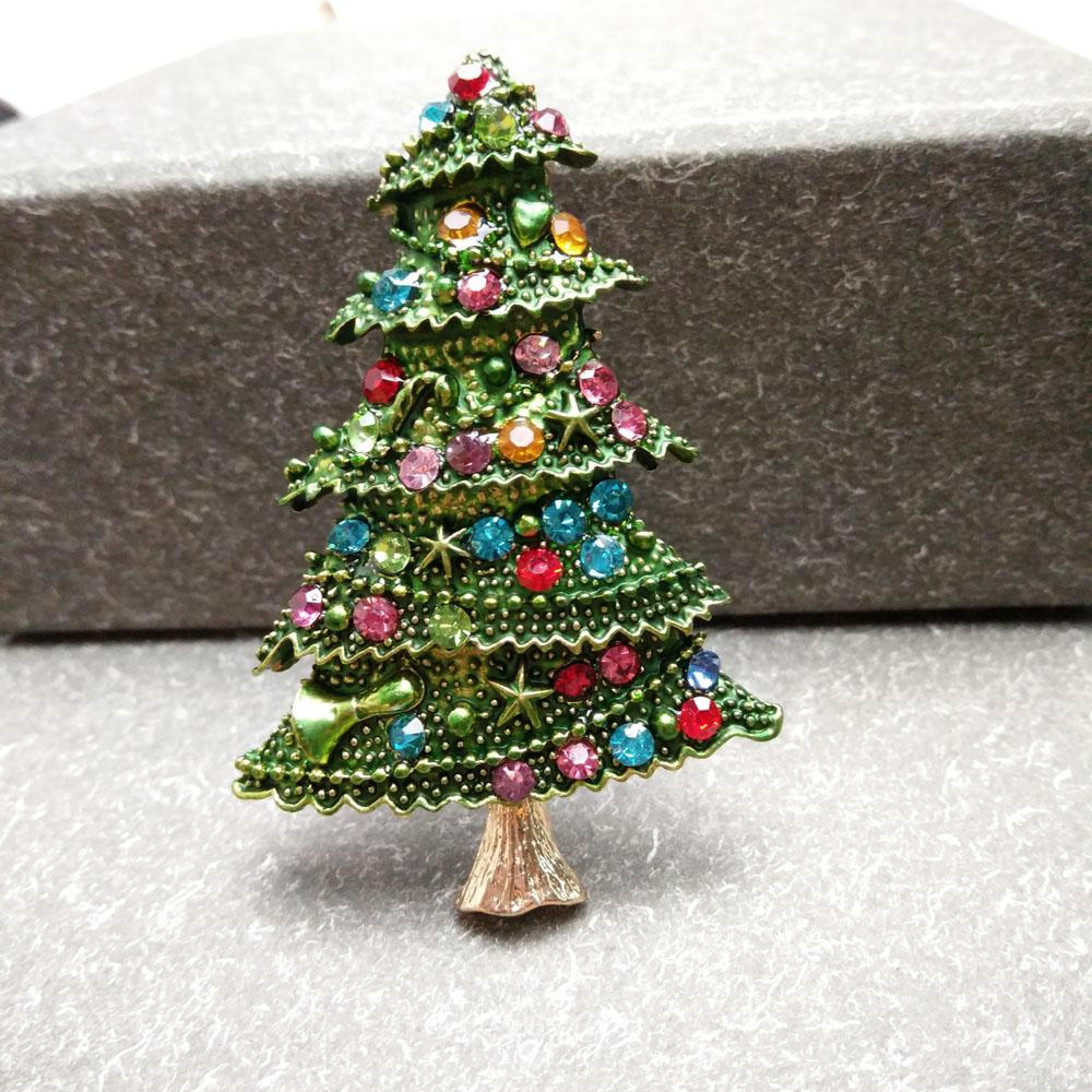 b9a8d56fc2d 2019 Wholesale New Christmas Tree Brooches For Women Rhinestone Inlay  Fashion Jewelry Festival Brooch Pins Good Gift Winter Coat Cap Brooch From  Hiramee, ...