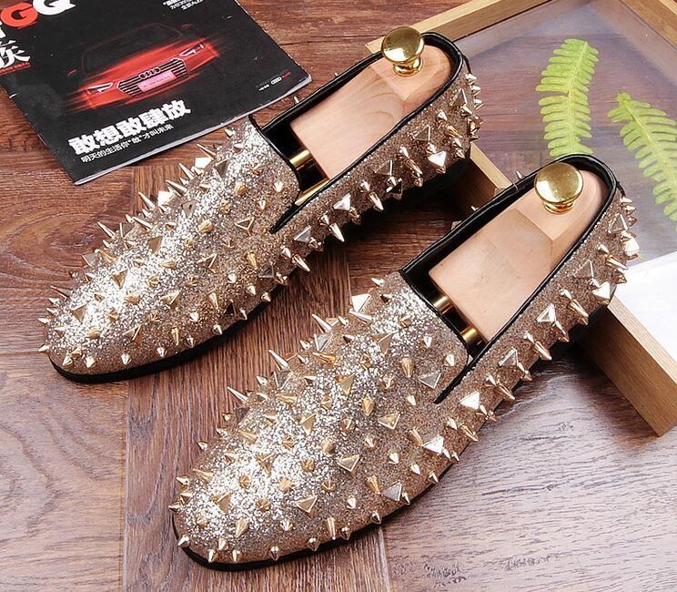 Moda Trendsetter Studded Rivet Spike Loafers Homecoming Vestido Sapatos Itália Masculino Sapatos de Festa de Casamento Sapato Social