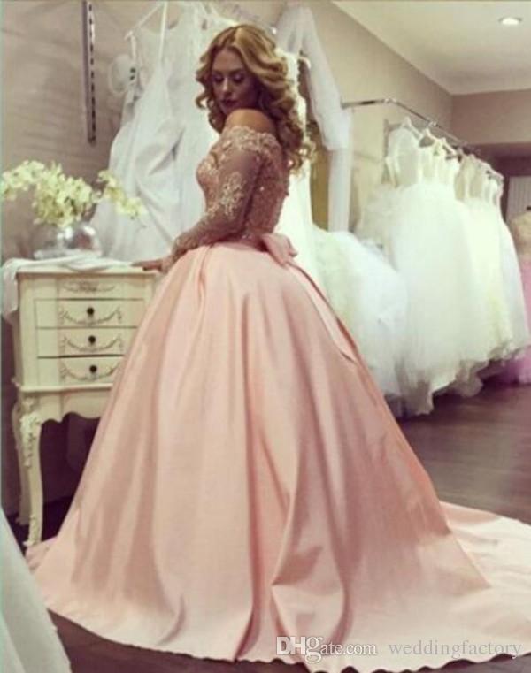 Impresionante vestido de baile rosa de bolas populares vestido de baile fuera del hombro Illusion mangas de cuentas largas apliques de encaje cristalino traje de noche árabe