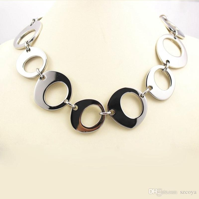 Wholesale Fashion Loop Link Silver Necklace Big Large Link Chain Wide Silver  Necklaces Neck Chain Link Shiny Stainless Steel Metal Collar Long Pendant  ... 41e6377b50a3