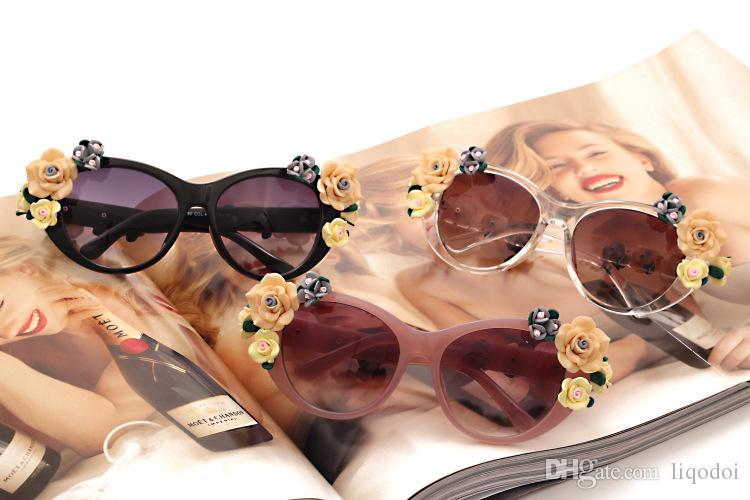 Occhiali da sole retrò barocchi da fiore Occhiali da sole vintage da spiaggia di tendenza Occhiali da sole stereoscopici rosa da sole donna / donna