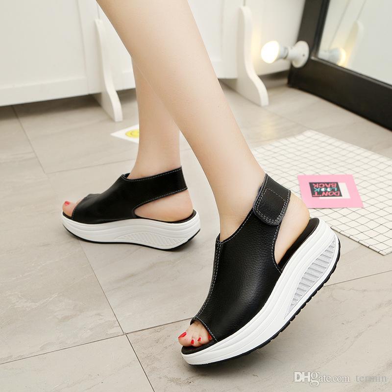 Yaz Sandalet Kadın Sallamak Ayakkabı Kalın Takozlar Eğim Platformu Kafa Deri Sandalet Kadınlar Kalın Alt Higt Topuk Ayakkabı. MQSS-013
