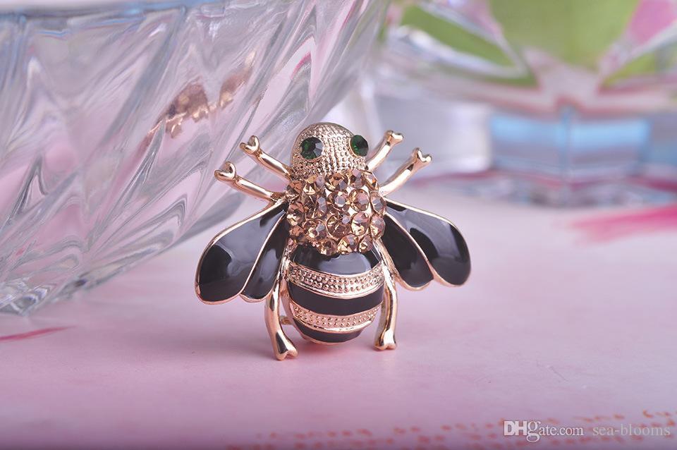Elegante Biene Kristall Brosche Schal Clips Corsagen für Hochzeitsbankett Casual Dailywear Pin Brosche süß und süß Stil Zubehör B528S