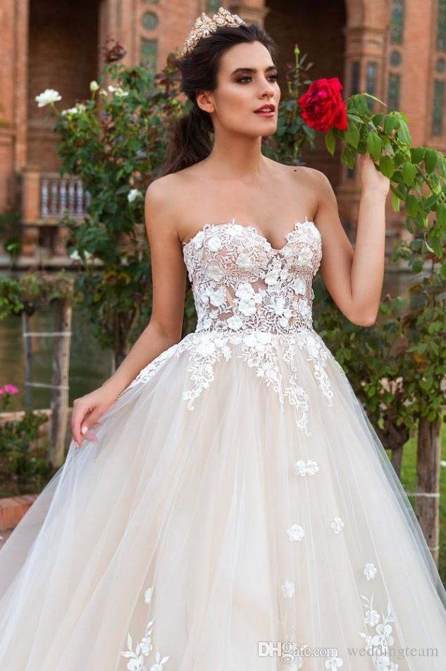 Romantic Champagne A Line Wedding Dresses Sweetheart Sleeveless With 3D Flower And Lace Appliques Lace Up Chapel Princess Bride Gown